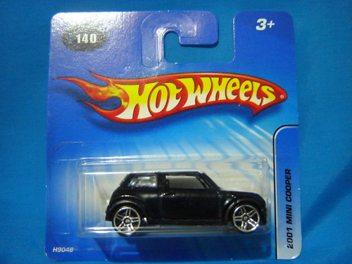 2005 #140 2001 Mini Cooper, short-card. 1:64. RAOK from noypi.