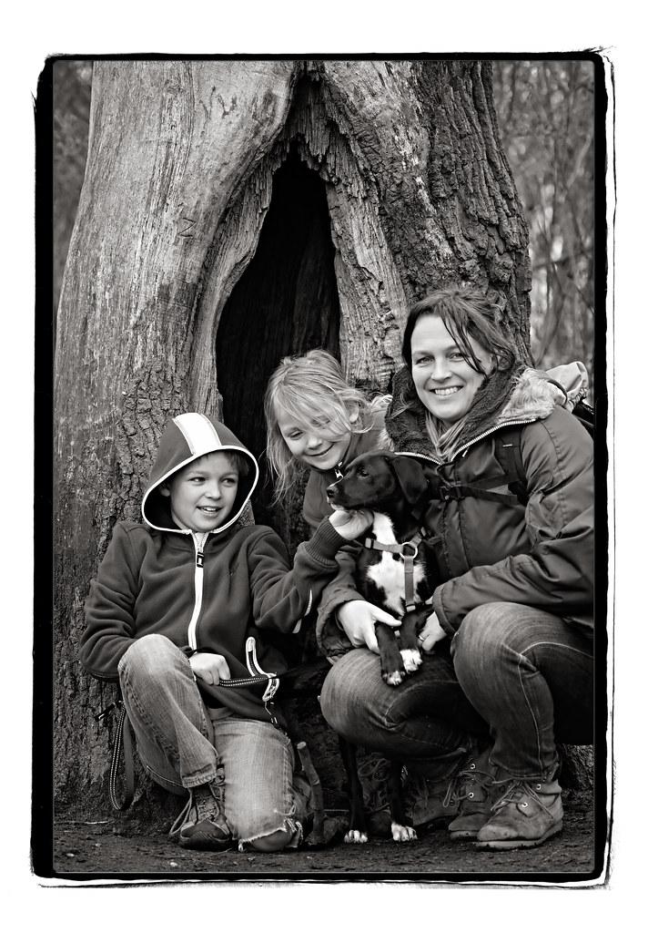HN76 - Flo, kids en Pekel (b&w) - Vrijdag 2 April - Maart 2010