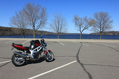 sv650 at point duglas park near prescott