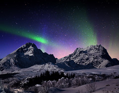 Aurora Borealis photo by steinliland