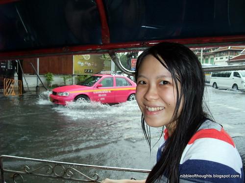 tuk tuk bangkok flooded