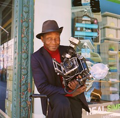 Louis Mendes - New York Street Photographer photo by deepstoat