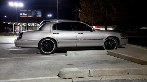 Lincoln Town Car With Black Rims Large Version On Black Ba Flickr