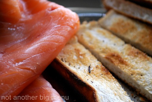 Smoked salmon and toast