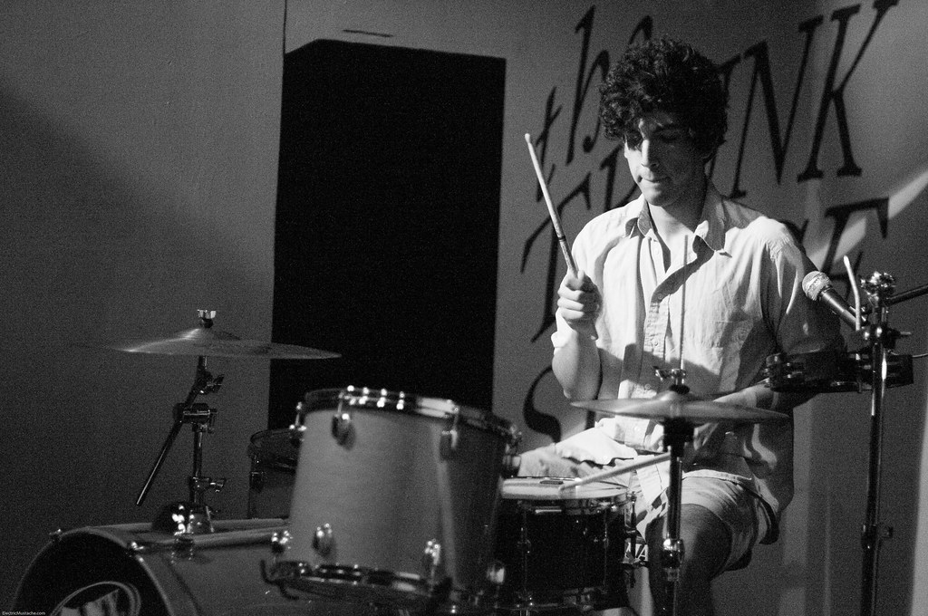The Young Friends @ The Trunk Space 2-17-2010 (7 of 11)