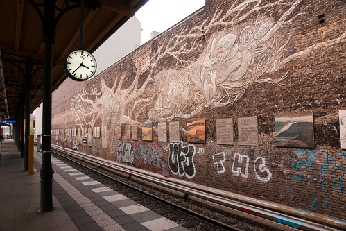 Savingnyplatz metro station