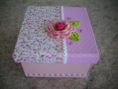 Caixa com flor de crochê photo by Tania artes