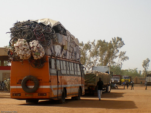 [BUS-CYCLE] Travel Plan: if the bus crash we have a bicycle for every passenger...
