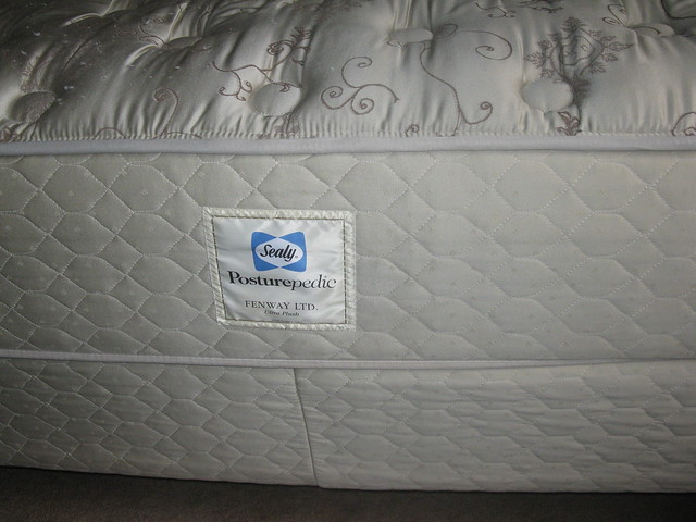 Dunlopillo | Sealy | Silentnight | Slumberland Mattresses | Bed