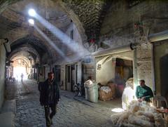 Souq of Aleppo photo by Julian Kaesler