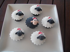 Mossy's Masterpiece - Humorous Christmas sheep cupcakes. I call these - Even the black sheep behaves at Christmas!!! photo by Mossy's Masterpiece cake/cupcake designs