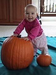 standing pumpkin star
