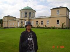 Kat Depan Herrenhauser Garten, Hanover, Germany