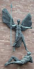 Buddugoliaeth S. Mihangel dros Satan, Eglwys Gadeiriol Gwyntry