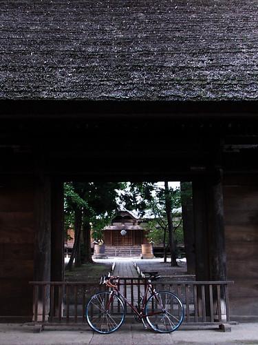 kichijouji temple main gate.