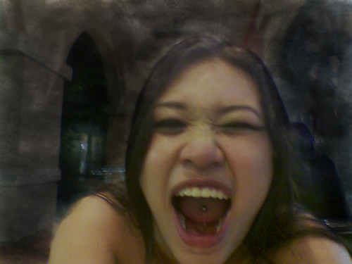 Halloween05-roar (after Photoshop meddling)