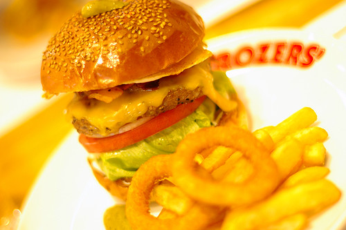BROZERS' 03 LOT BURGER photo by *istD