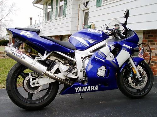 2001 Yamaha YZFR600