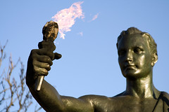 The Torchbearer, Close-up