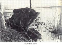 1945 - Alsace - Illhaeusern -8e Rca- Char porc épic - source - jeanne Heitzler
