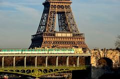 Paris-Express' photo by nic( o )