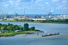 Antwerp : The industrial harbour  area / The Scheldt River photo by Pantchoa