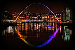 River Reflections: Gateshead Millennium Bridge photo by 96tommy