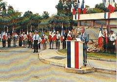 21 aout 2003 à Hyères- Cérémonie devant la plaque dédiée au général Magendie pour la prise du Golf Hôtel - Fonds Pierre Tropet