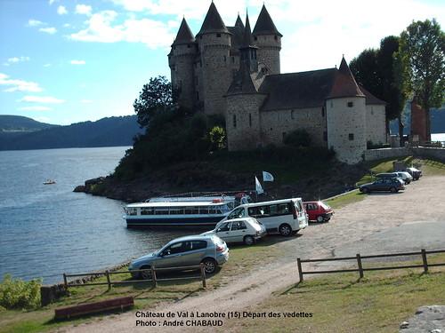 Château de Val à Lanobre (15) Départ des vedettes