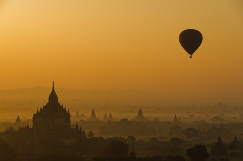 Balloons over Bagan 14