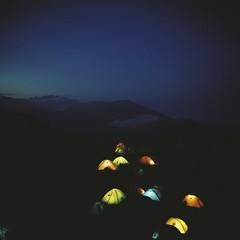 夜のテント photo by deco_o