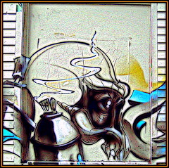 Street Art - Skull - photo by Pifou 2010 - trying to catch up !!!