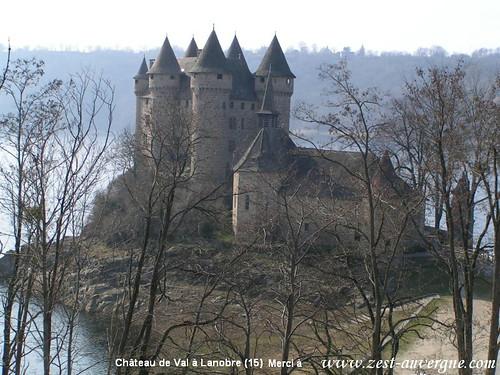 Château de Val à Lanobre (15) zest-auvergne