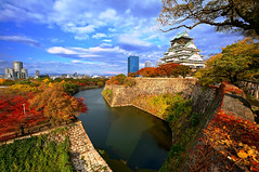 Osaka Castle (大阪城) in Autumn photo by TOTORORO.RORO
