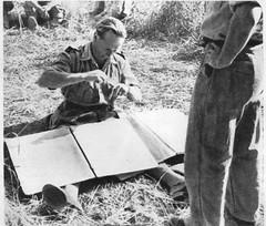 1944 - Italie - Brosset prépare ses cartes avant l'attaque