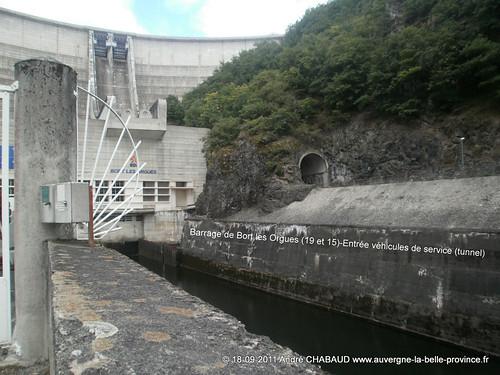 Barrage de Bort les Orgues (19 et 15)-Entrée véhicules de service