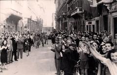 4 juin 1944, la foule romaine acclame les troupes françaises en Italie (photo OFIC, coll. Bongrand Saint Hillier)