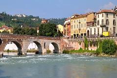 Verona : Ponte Pietra  - 1/2 photo by Pantchoa