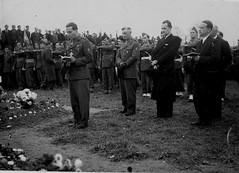 Alsace- 1945- Abbé Malec aumonier de la  division à gauche- ADFL