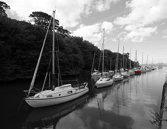 Cramond harbour colour pop (Explored). photo by Lobhdain