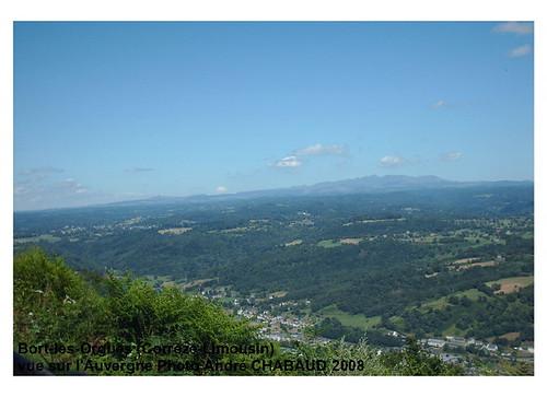 Bort-les-Orgues (Corrèze-Limousin) vue sur l'Auvergne