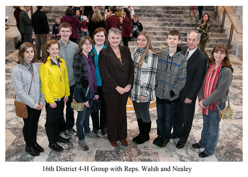 Walsh, Nealey with 4-H group
