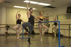 Edgar Anido, Complexions Contemporary Ballet, UMKC Dance Class, 9-9-13 photo by UMKC-Conservatory