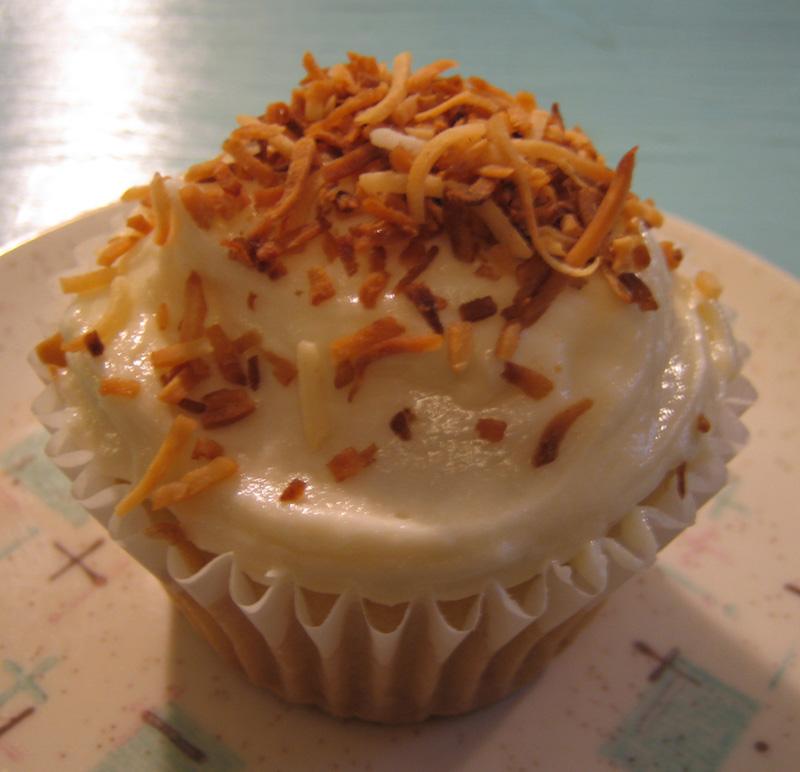 Vegan Birthday: Vegan Coconut Cupcakes