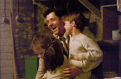Crowe as Braddock with kids