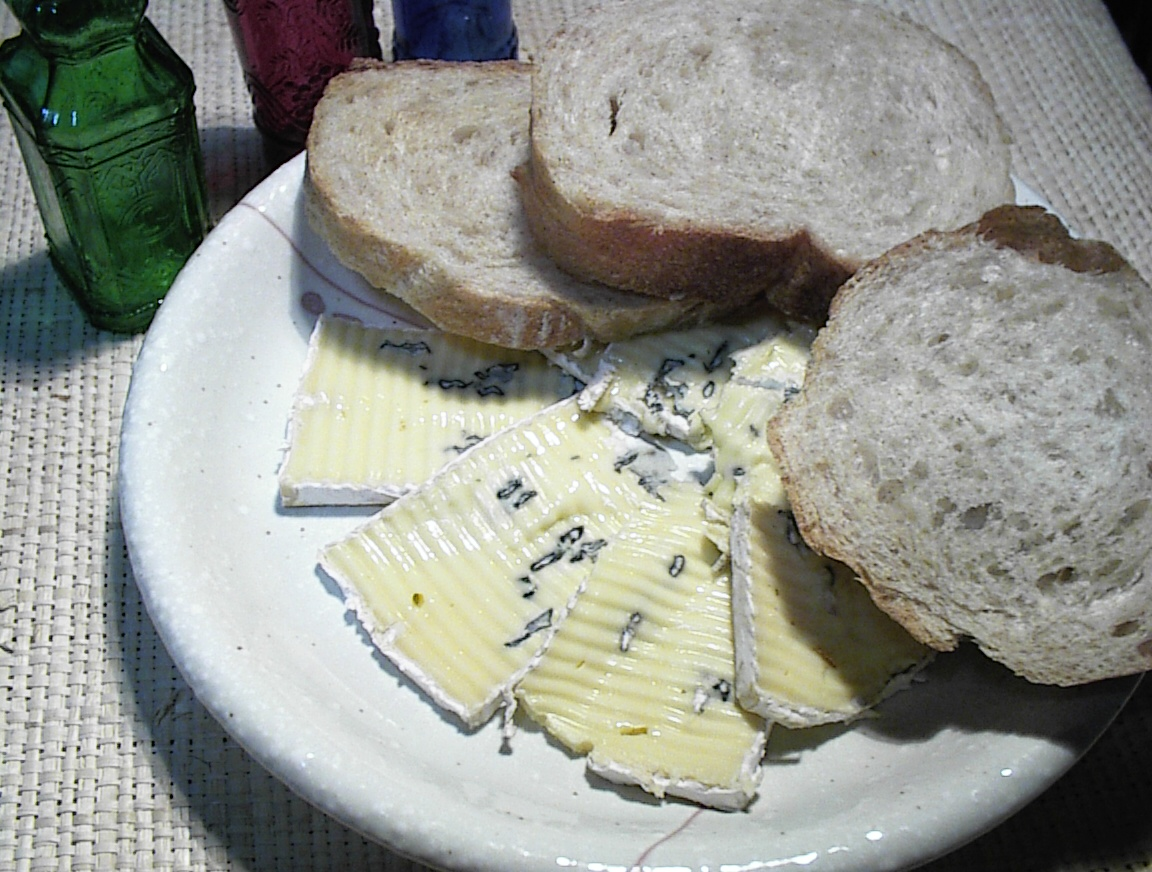 チーズカッターをようやくみつけました