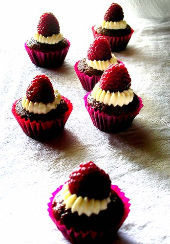 mini chocolate cupcakes 1