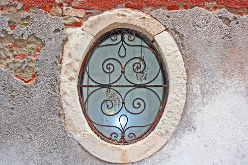 oval-window