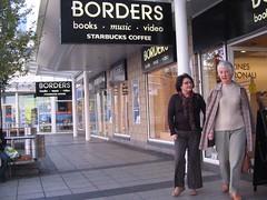 Siop Borders, Fforest-fach