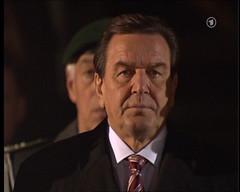Gerhard Schröder beim Großen Zapfenstreich